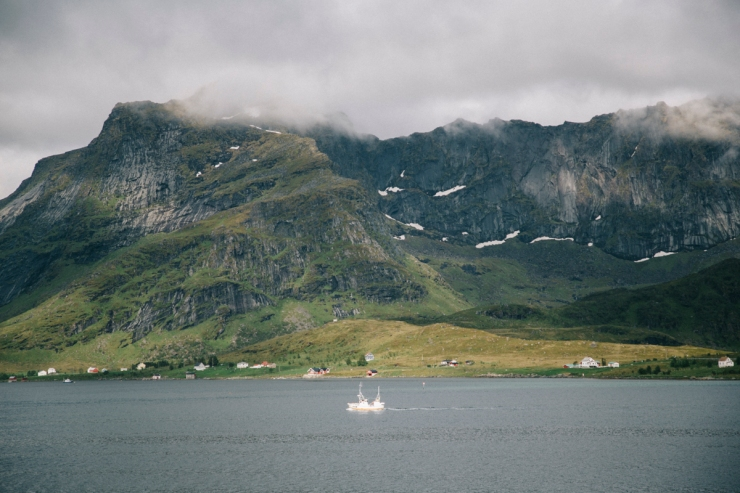 wildroad_lofoten_ferry